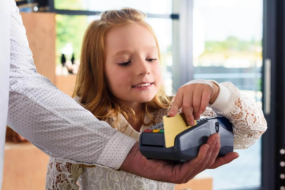 Best Credit Cards for Kids: Building Credit & Money Habits Early