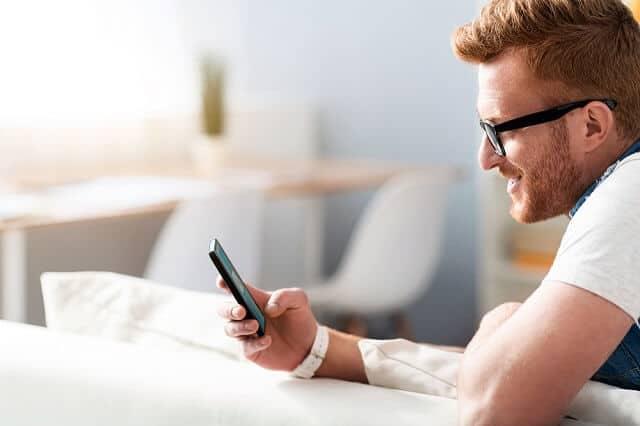 investing from smartphone medium