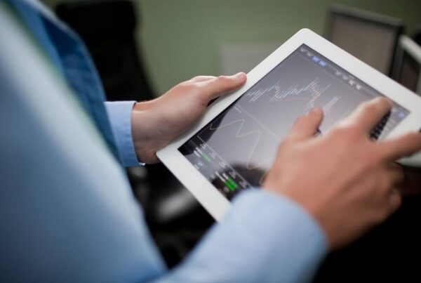 best stock investment research software and websites