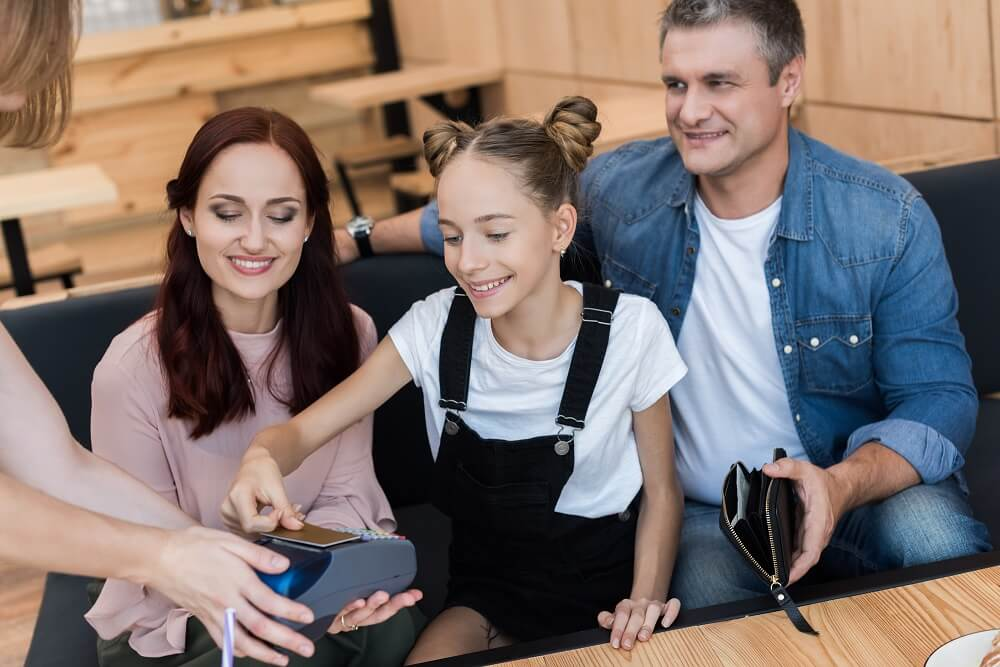 How Parents Can Help Their Children Start to Build Credit